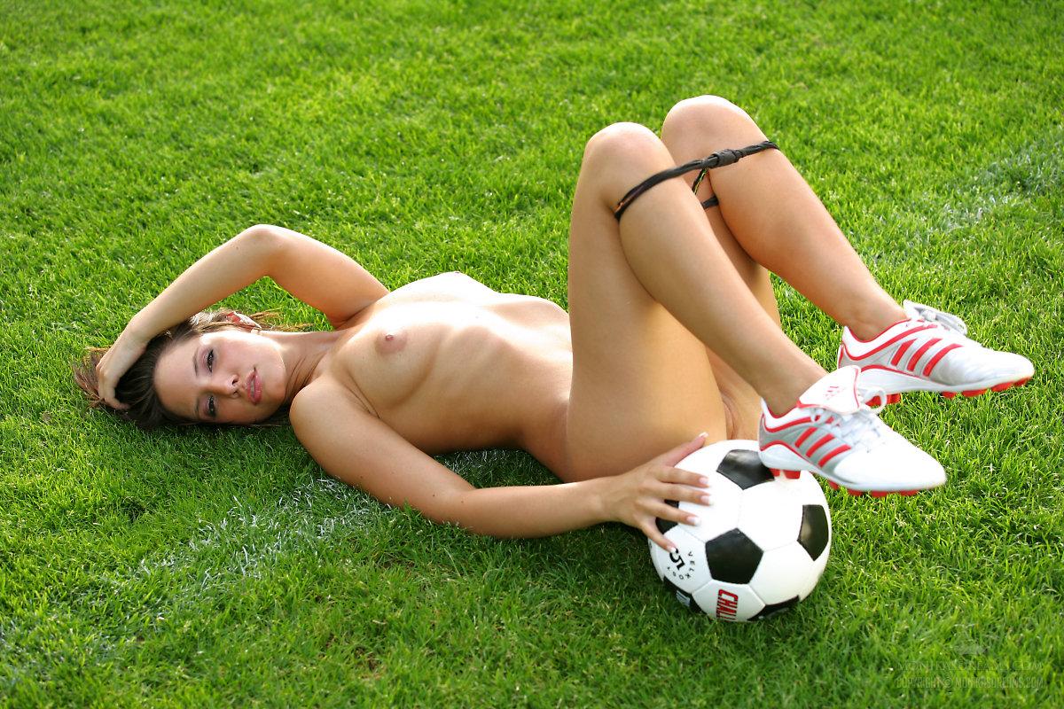 Play naked football