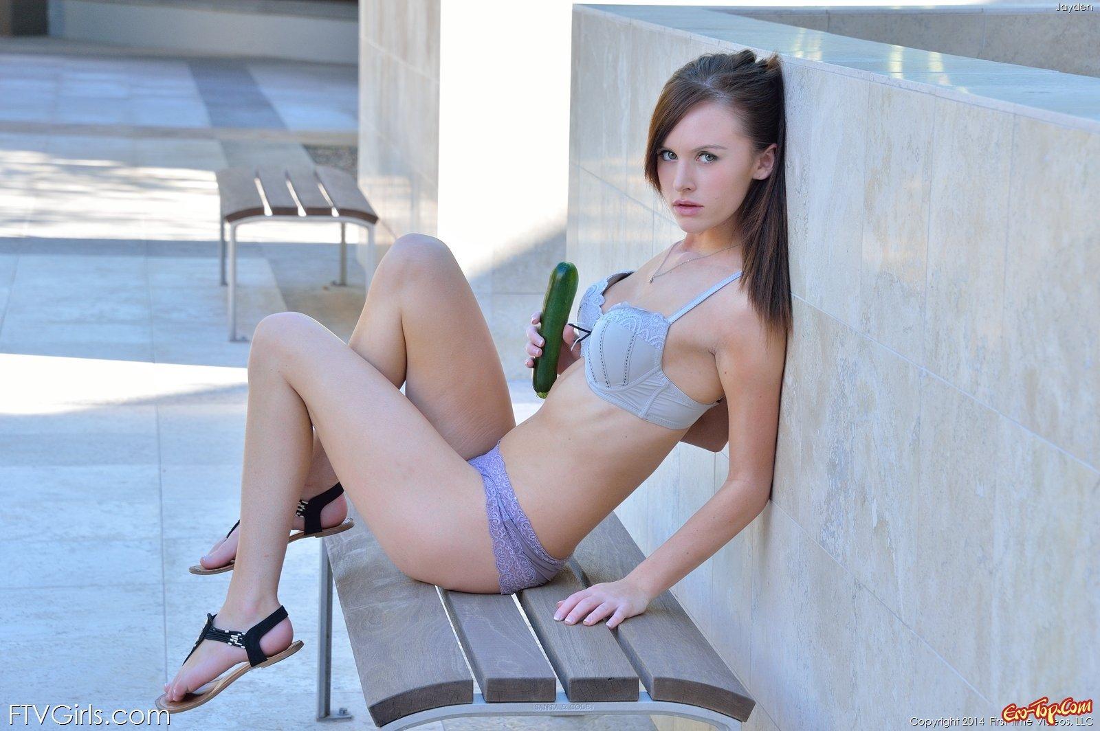 Веб девушка модель мастурбирует алиса полякова